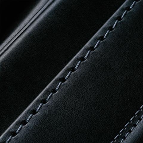 No.6 牛革ボルサパステルクラシック 黒/グレー ステッチの色