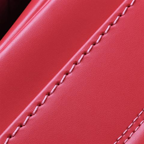 No.6 牛革ボルサパステルクラシック ビビットピンク ステッチの色