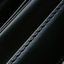NO.8 馬革コードバン ランドセル 黒 ステッチ(糸)の色
